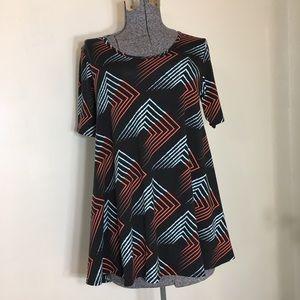 Lula Roe short sleeve shirt